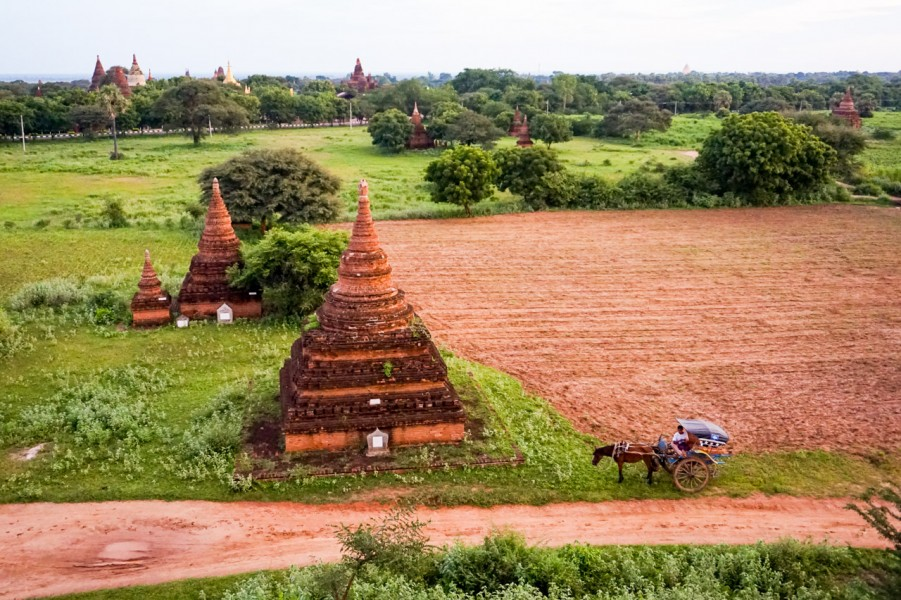Temple Hopping in Bagan
