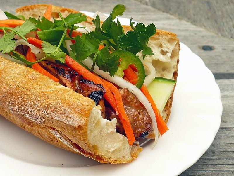 Khao Jee Sandwich