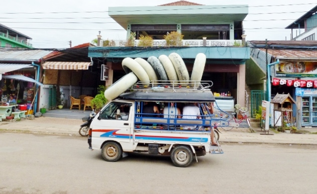 Vang Vieng Tubes